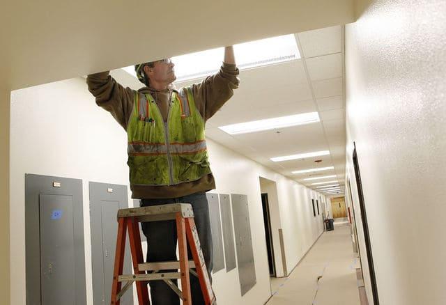 Được bảo trì và bảo hành khi lựa chọn dịch vụ thi công nội thất trọn gói