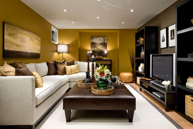 kệ tivi kết hợp với tủ để đồ sẽ giúp phòng khách tiết kiệm rất nhiều không gian